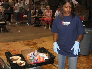 Volunteer_taking_food_to_people